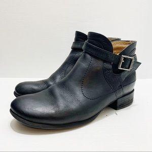 JOHN FLUEVOG   Ankle Boots